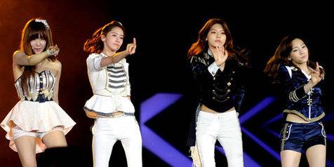 Girls Generation Magnet Para Pria di SMTOWN INA