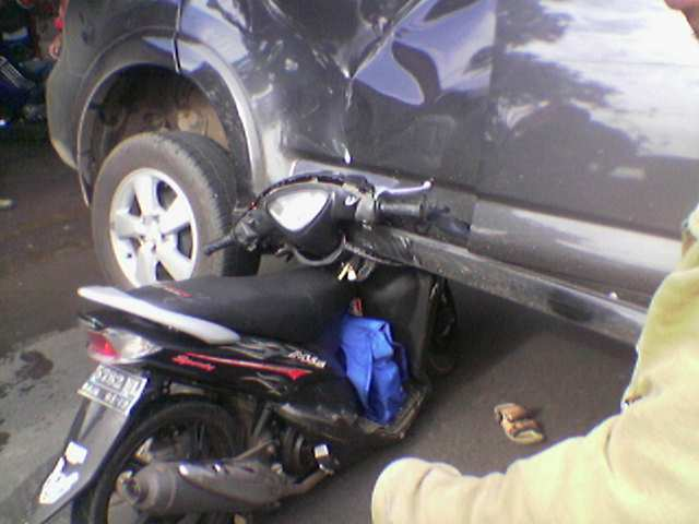 Mio Dongkrak Mobil