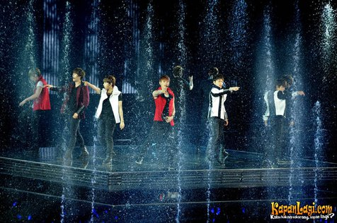 Super Junior saat tampil di SS4 Indonesia pada 27-29 April 2012 ©KapanLagi.com®