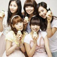SNSD Menjadi Bintang Iklan Banana Milk