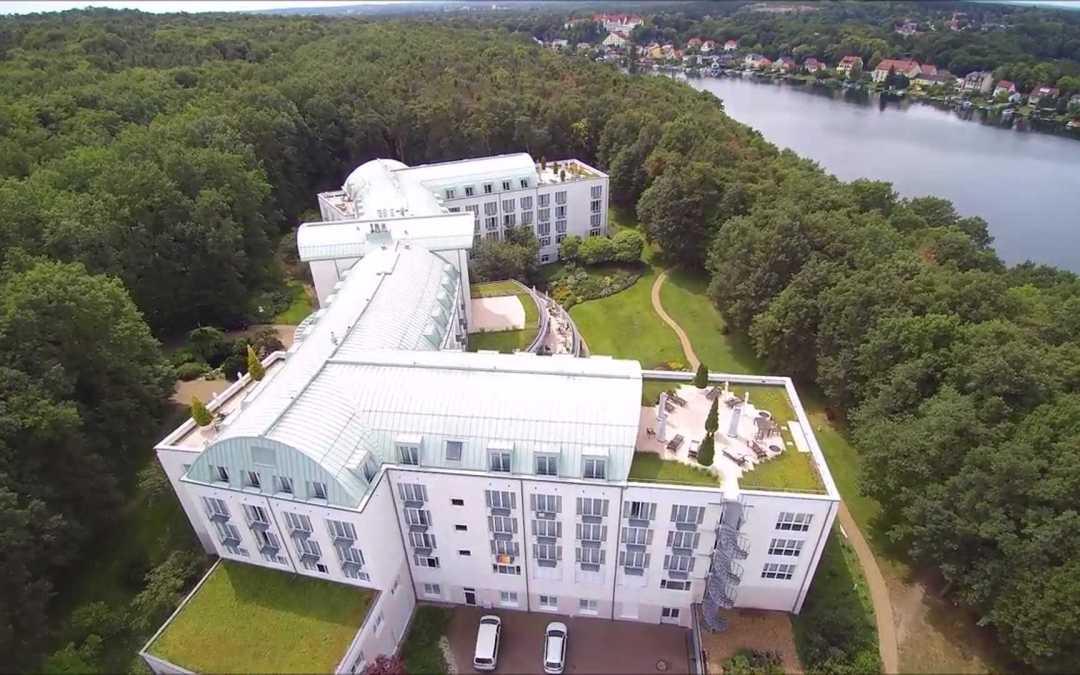 Die Klinik am See von oben