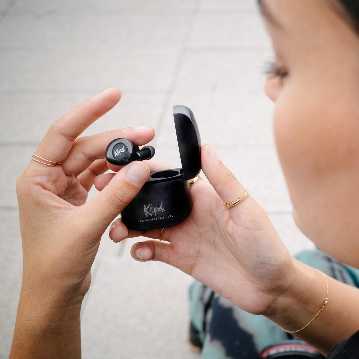 Head gesture wireless Klipsch earbuds