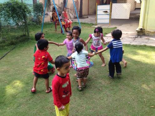 Savo įkurtame vaikų darželyje Augustė siekia daugiau laisvės ir kūrybiškumo.