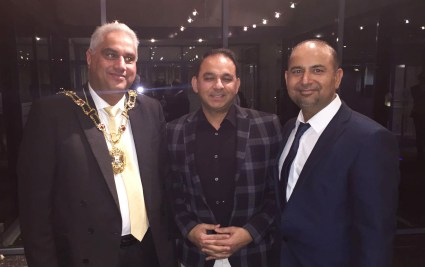 Journalists Arshad Rachyal and Aftab Baig with Mayor Oxford in an event 2017