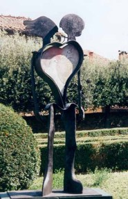 Cuore 210x120x100 cm 1972 painted iron