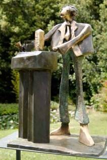 Drunken Duncan 62x54x25 cm 2000 bronze