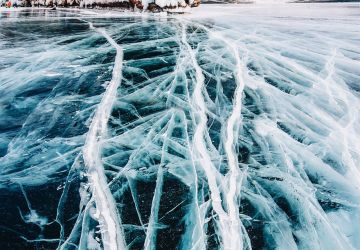 Takto vyzerá najstaršie a najhlbšie jazero v pevnom skupenstve. Vitajte na ľadovom povrchu Bajkalského jazera