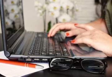 Končíš univerzitu a chceš si nájsť vysnívanú prácu? Tých 5 vecí ti môže pomôcť viac, ako si myslíš!