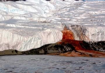 Krvavé vodopády – záhadný prírodný úkaz na Antarktíde: Vedci odhalili, čo ho spôsobuje