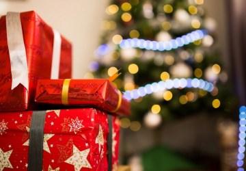 Všade okolo teba sú už Vianoce a ty stále nemáš zarobené na vianočné darčeky? Toto sú tipy, kde si môžeš rýchlo zopár eur navyše privyrobiť