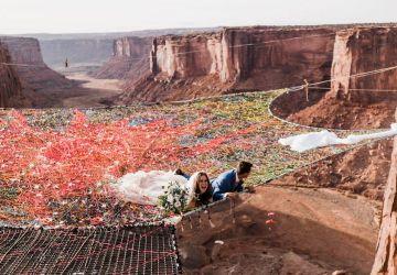 Snúbenci si povedali svoje ÁNO vo výške 122 metrov. Fotky z ich svadby budete pozerať so zatajeným dychom!