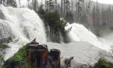 Povodeň v Tatrách: Voda zaplavila viaceré chodníky, ktoré následne uzavreli