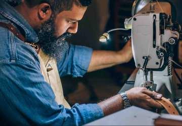 Fast fashion ničí našu planétu, no prináša rýchle obraty medzi dodávateľmi