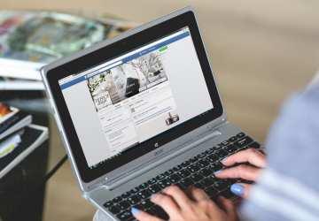 Skončiť s Facebookom nedokážeme, môže však ovplyvniť naše mentálne zdravie