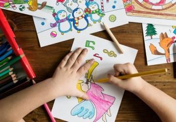 Z kresbičiek detí vyrába malé figúrky, z ktorých sa tešia nielen tí najmenší. Myšlienka vznikla úplnou náhodou