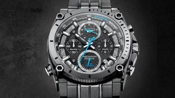 Portada con el reloj Bulova en color gris con detalles en color azul y blanco