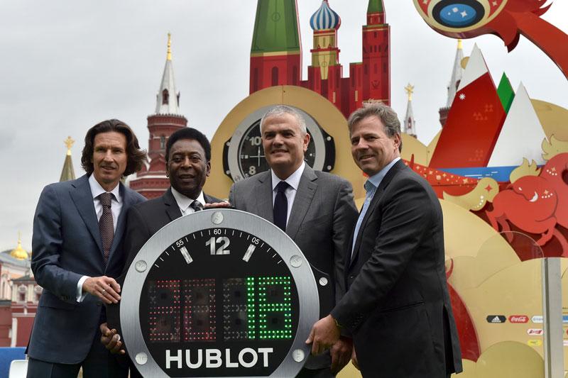 Pelé inaugura nueva boutique de Hublot en la Plaza roja de Moscú