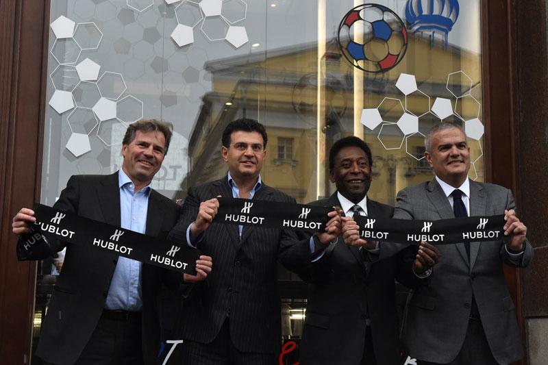Hublot inaugura su nueva boutique en la Plaza roja de Moscú en presencia de Pelé