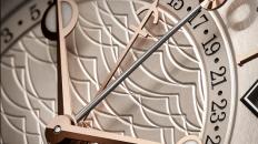Reloj elegante de tres manos