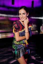 Mujer vestida de colores BGLAM