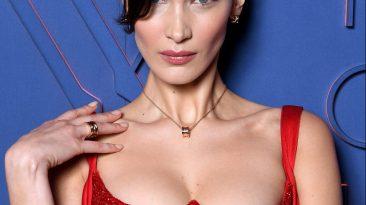 Bella Hadid en el evento de B.Zero1 aniversario con un vestido rojo