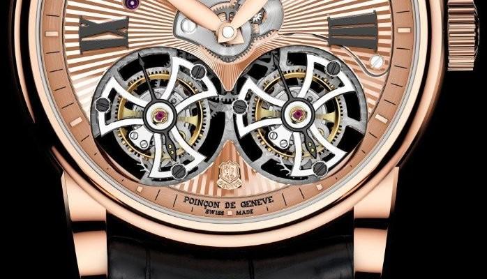Caratula de un reloj dorado con detalles en color plateado y negro