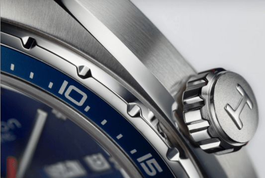 Corona en color plateado del reloj Hamilton