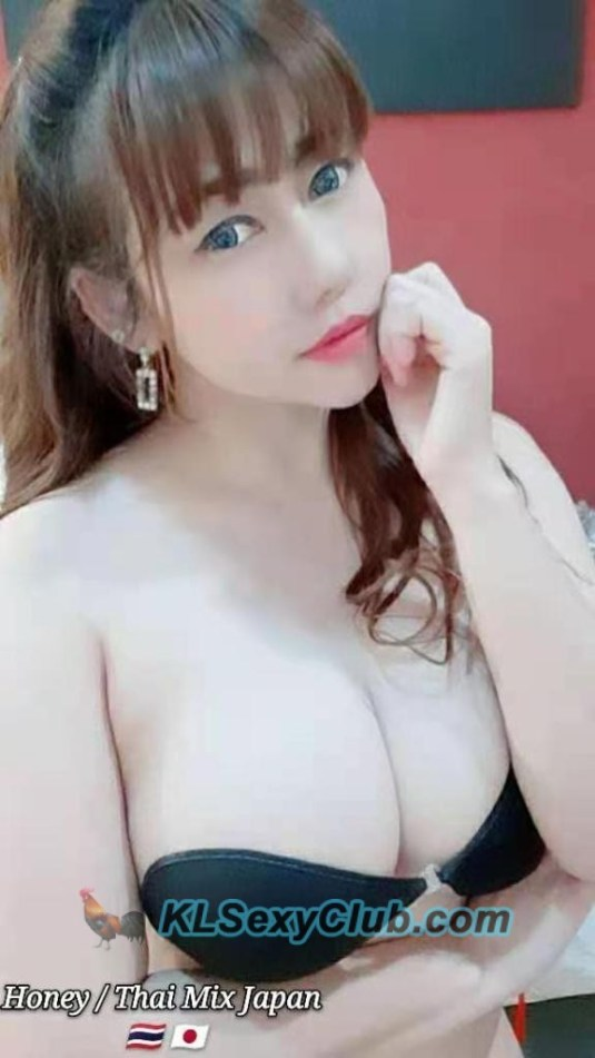 beautiful big boobs thai girl