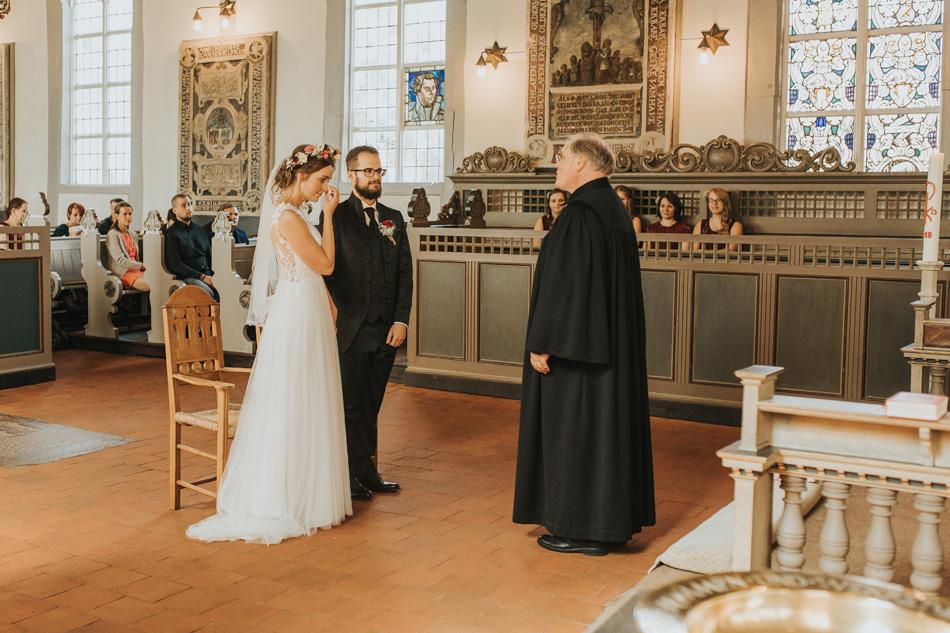 Hochzeitsfotos Hochzeitsreportage Trauung Dreieinigkeitskirche Hamburg-Allermöhe