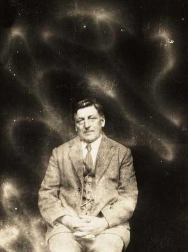 creepy pics from the past 12 Really Creepy Photos From 1920s (23 photos)