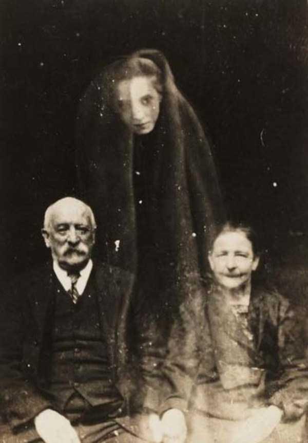 creepy pics from the past 17 Really Creepy Photos From 1920s (23 photos)