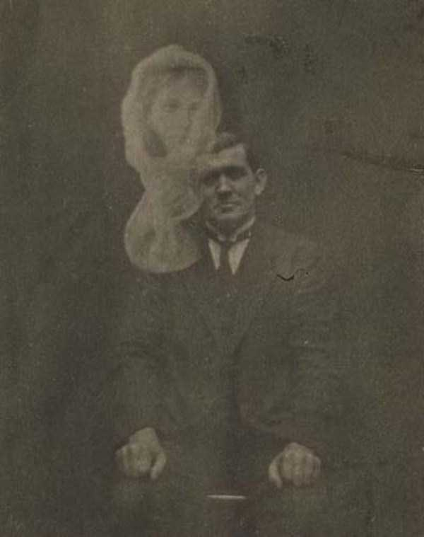 creepy pics from the past 20 Really Creepy Photos From 1920s (23 photos)