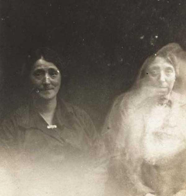 creepy pics from the past 22 Really Creepy Photos From 1920s (23 photos)