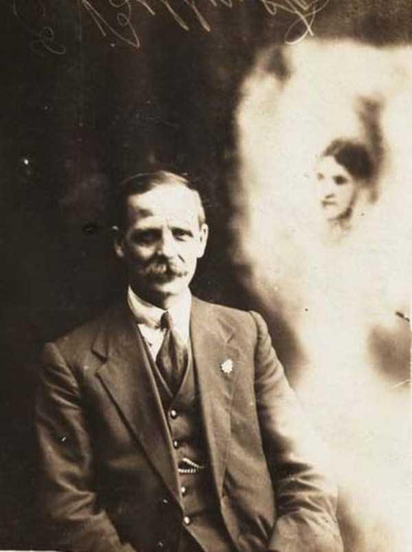 creepy pics from the past 6 Really Creepy Photos From 1920s (23 photos)