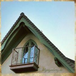 Giebel mit Balkon Seminarhaus 1 4 - Das Seminarhaus Klyngenberg in Bildern