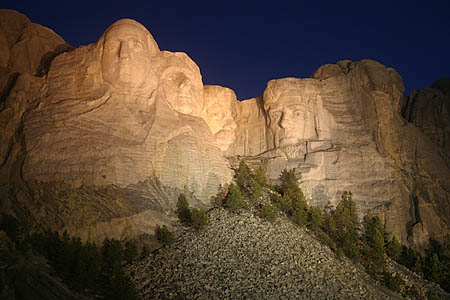 mt rushmore night