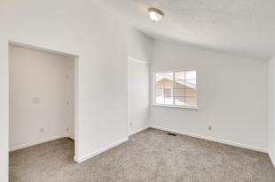 10801 Barclay Court Henderson-023-19-23-MLS_Size
