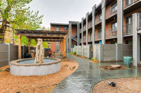 1 Pearl St Unit 301 Denver CO-small-029-18-Courtyard-666x445-72dpi