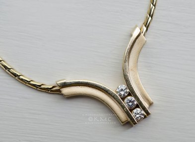 necklace-diamonds-gold-jewelry-productphotography-kmcnickle