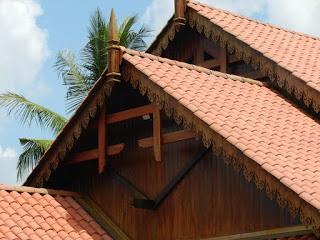 rangka baja ringan pakai genteng tanah standar kemiringan atap kontraktor jogja jasa bangun rumah baru
