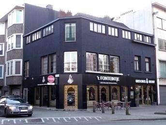 Zicht op de hoek van de Kerk- en Lammekensstraat, november 2013