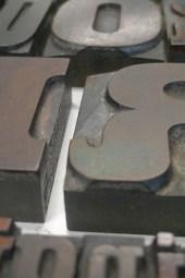 Detail van de drukletters