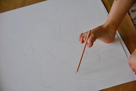Nadat we levensecht tekenden op onze schildersezel gaan we experimenteren.
