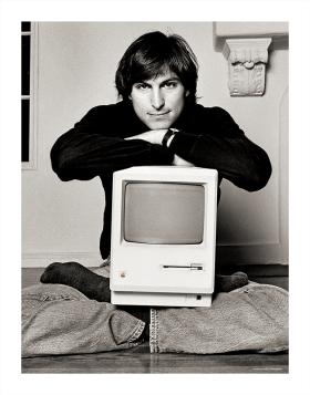 1984_steve_jobs_photo2