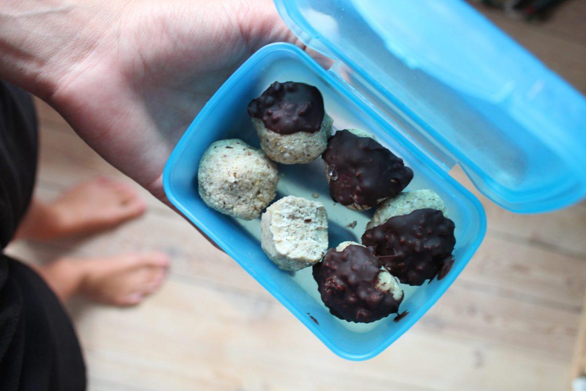 Veganske kokoskugler med havregryn
