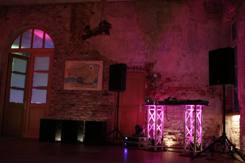 Tanzfläche im Erdgeschoss des Rittergut Orr