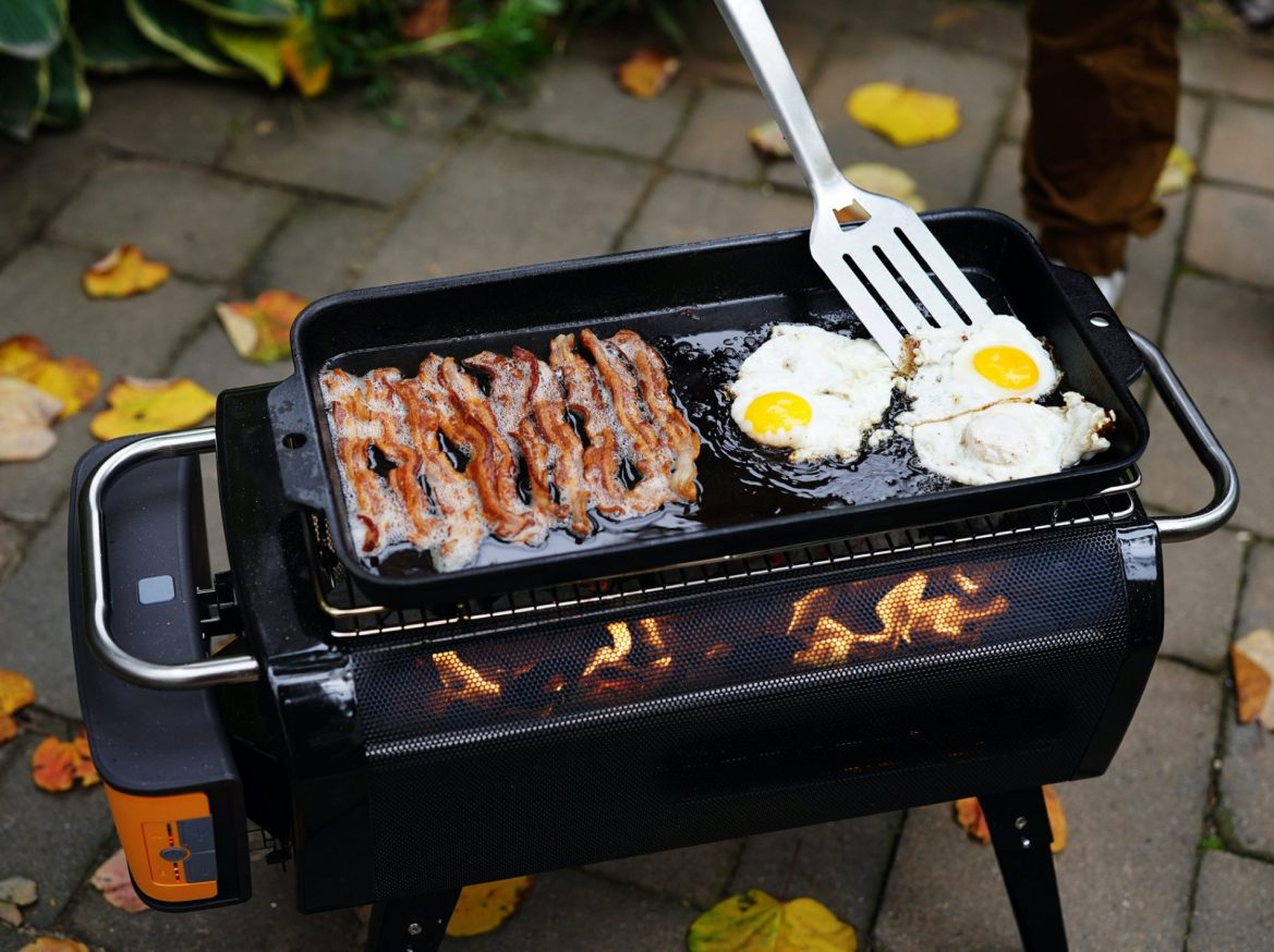 Ready for summer grilling and chilling – the BioLite FirePit Cooking Kit