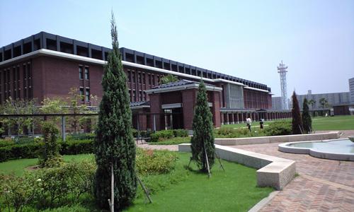 神戸学院大学に行く