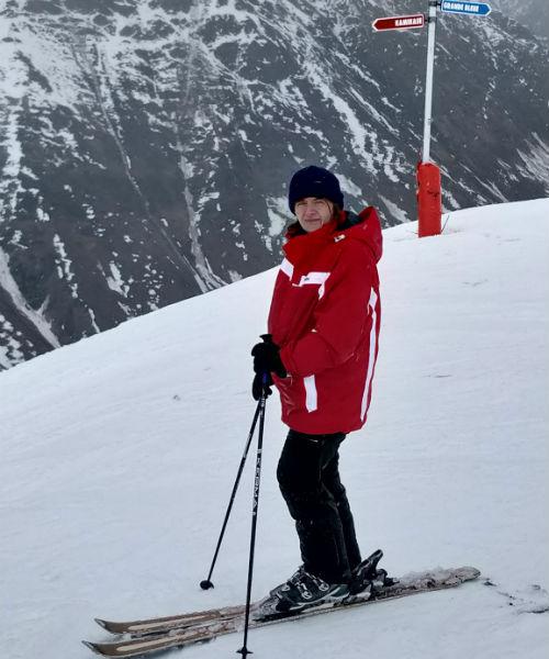skiing