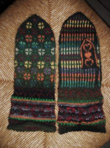 Mittens for my mothers 65th birthday - a pattern by Anne Abrahamsen; free at ravelry. http://www.ravelry.com/patterns/library/karens-mittens-archived